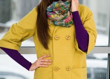 С чем носить пальто горчичного цвета