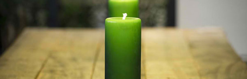 Ритуал и заговор с зеленой свечой для привлечения денег и на здоровье
