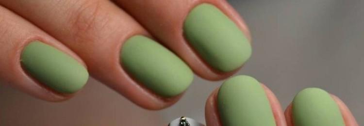 Ногти цвета хаки