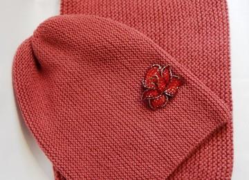 Шапка бини спицами платочной вязкой: схемы, описание и видео