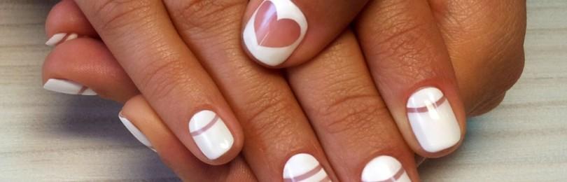 Новинки 2021 года: белый маникюр на короткие ногти