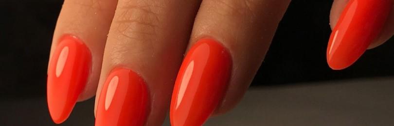 Красные миндальные ногти: идеи дизайна, фото