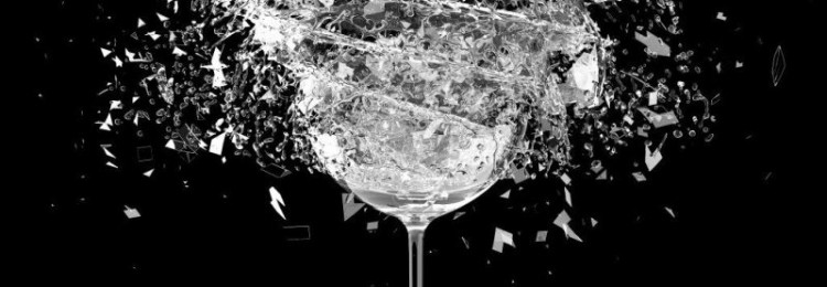 Приметы о бокалах, стаканах: к чему случайно разбить, треснул, дарить
