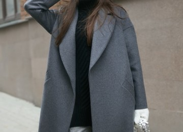 С чем носить серое пальто оверсайз