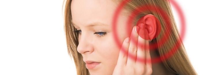 К чему звенит в правом ухе и левом: приметы