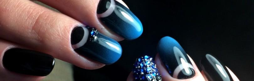 Маникюр синий с черным