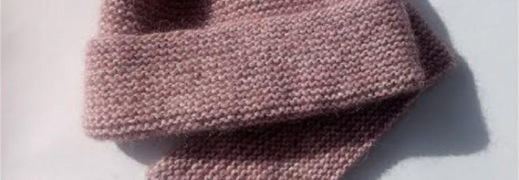 Как связать шапку спицами платочной вязкой: схемы и описание