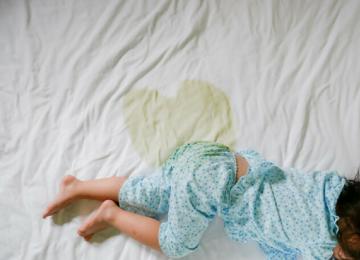 Описаться во сне – толкование по сонникам, к чему приснилось взрослым, детям