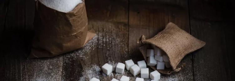 Кофе: приметы про кусковой сахар и рассыпчатый