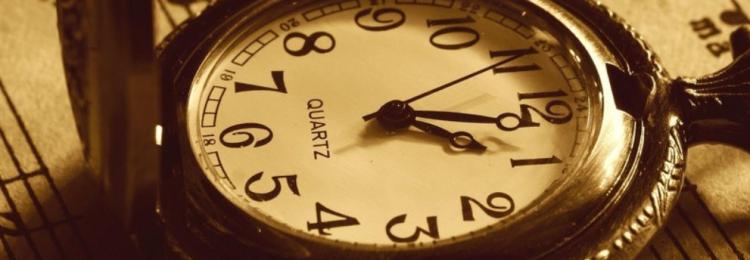 Приметы, к чему разбить случайно наручные, настенные, песочные часы