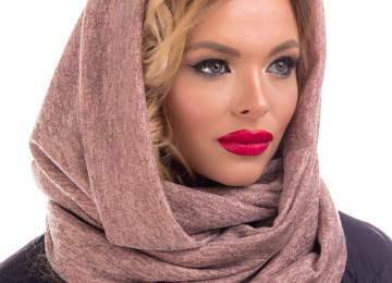 Как носить шарф-хомут: с пуховиком, курткой, пальто, шубой