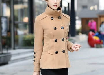 С чем носить бежевое женское пальто