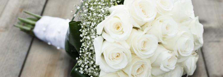К чему примета, если дарят белые розы женщине, девушке