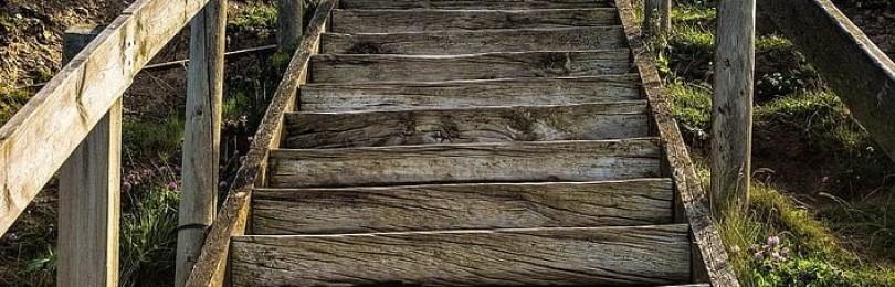 К чему снится ползти: по земле, лестнице, дороге, снегу