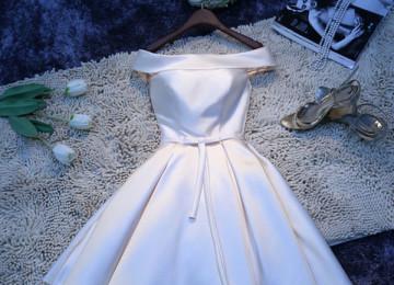 Как выбрать белое платье на выпускной в 9 и 11 класс