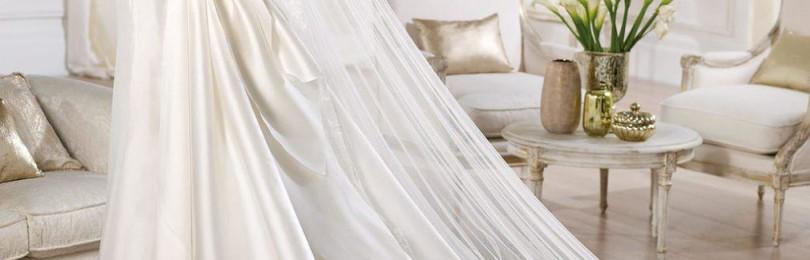 Свадебное платье из атласа: короткое, пышное, прямое, закрытое