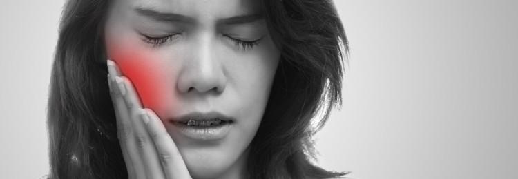 Как читать заговор от зубной боли на воду