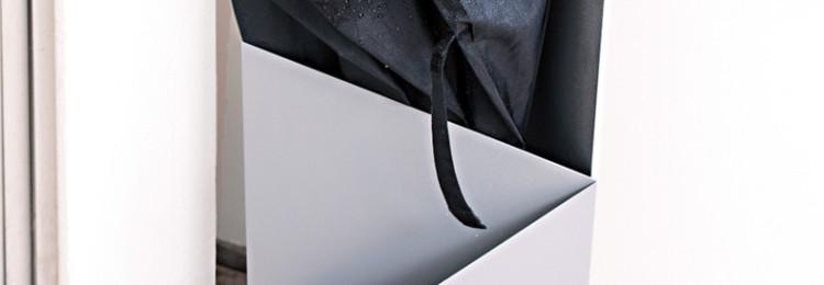 Почему по приметам нельзя открывать зонт в помещении