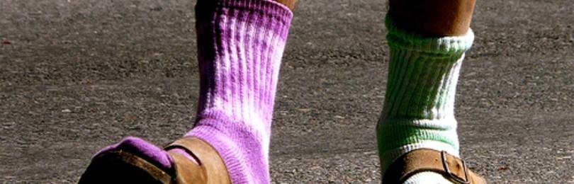 Приметы с носками: одеть разные, непарные, разного цвета