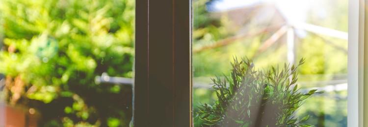 Как правильно мыть окна в квартире: приметы и суеверия