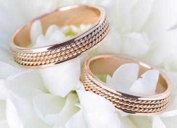 Заговор на обручальные кольца, на серебряное, на кольцо с красным камнем