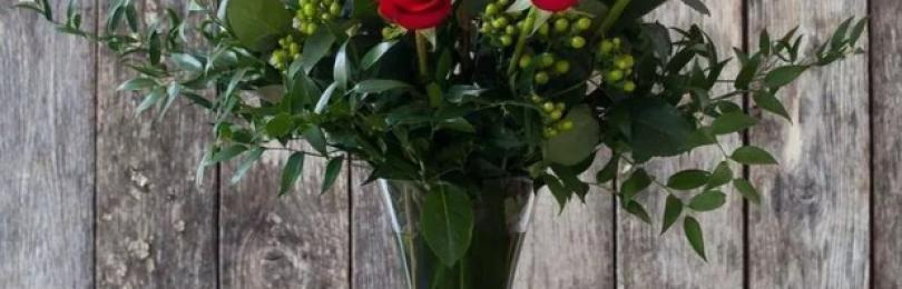 Почему по приметам нельзя дарить искусственные цветы