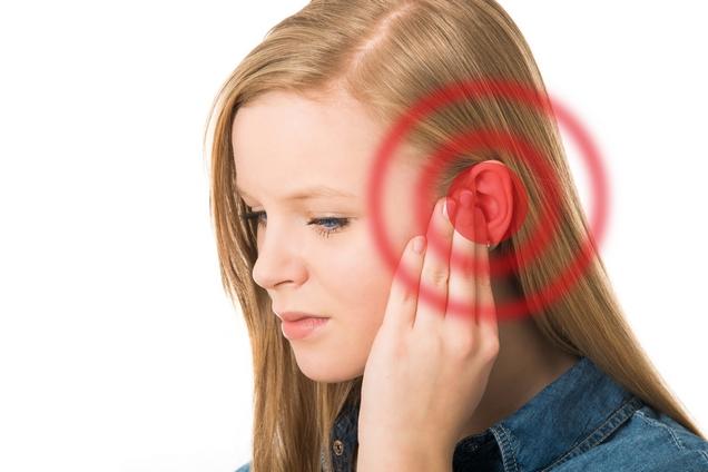 К чему звенит в ушах: в левом или правом